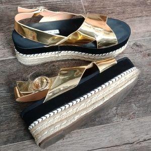 Zara Shoes - Zara Trafaluc gold wedges